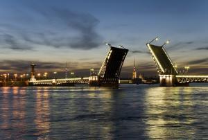 Newa-Brücke, Weiße Nächte in St. Petersburg