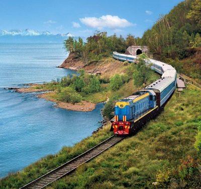 Transsibirische Eisenbahn mit Baikalsee