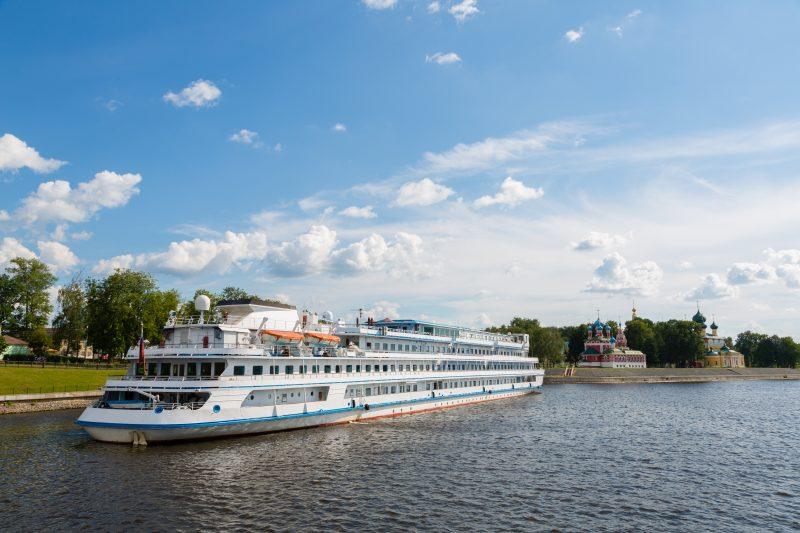 Flusskreuzfahrtschiff Uglitsch Wolga