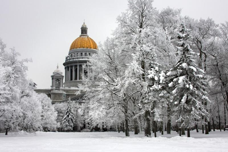 Isaak-Kathedrale zu Silvester/Winter in St. Petersburg