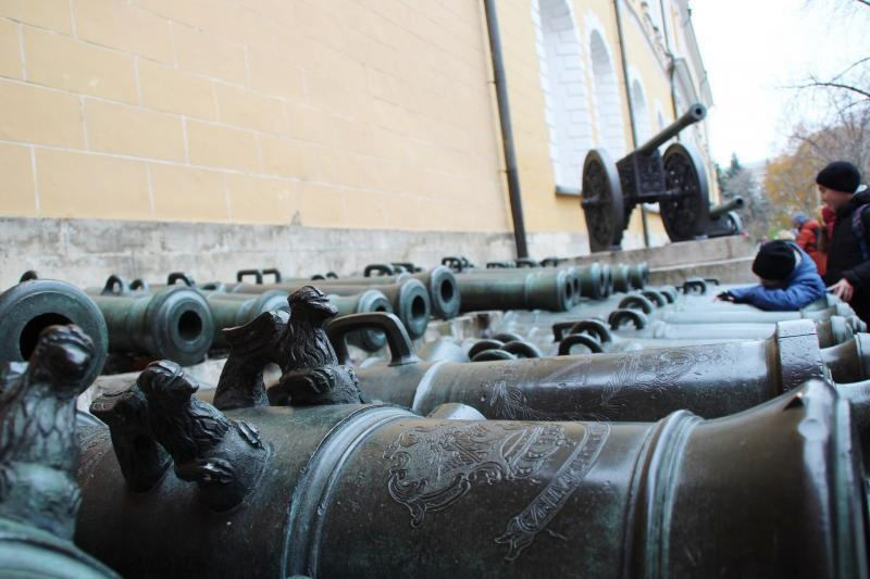 Napoleon Kanonen von 1812 im Moskauer Kreml
