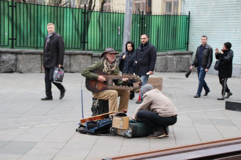 Nikolskaya Straße in Moskau - Straßenmusiker