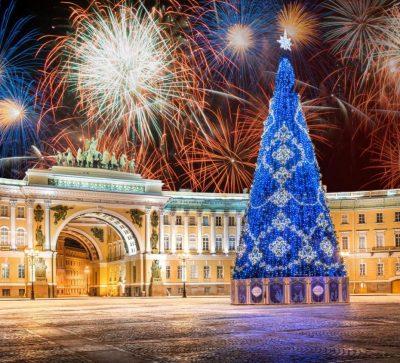 Silvester in St. Petersburg, Feuerwerk am Schlossplatz