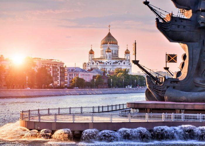 Reisen nach Moskau und St. Petersburg