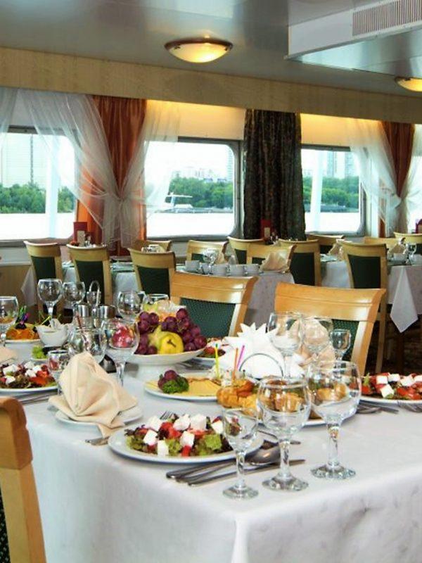 Restaurant - Flusskreuzfahrt auf der Wolga